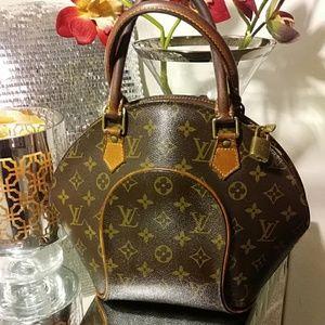 Accepting Offers~ Louis Vuitton Elipse Monogram